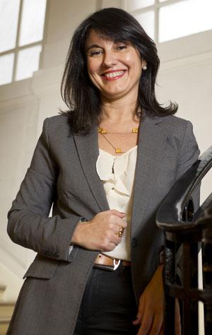 Hélène Galzin, responsable du programme de valorisation de son du patrimoine historique et culturel de Renault